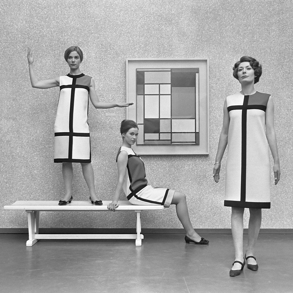 Mondriaanmode_door_Yves_St_Laurent_(1966)